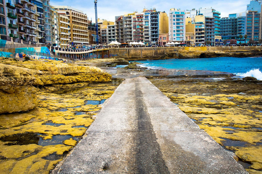 Fond Ghadir Beach auf Malta